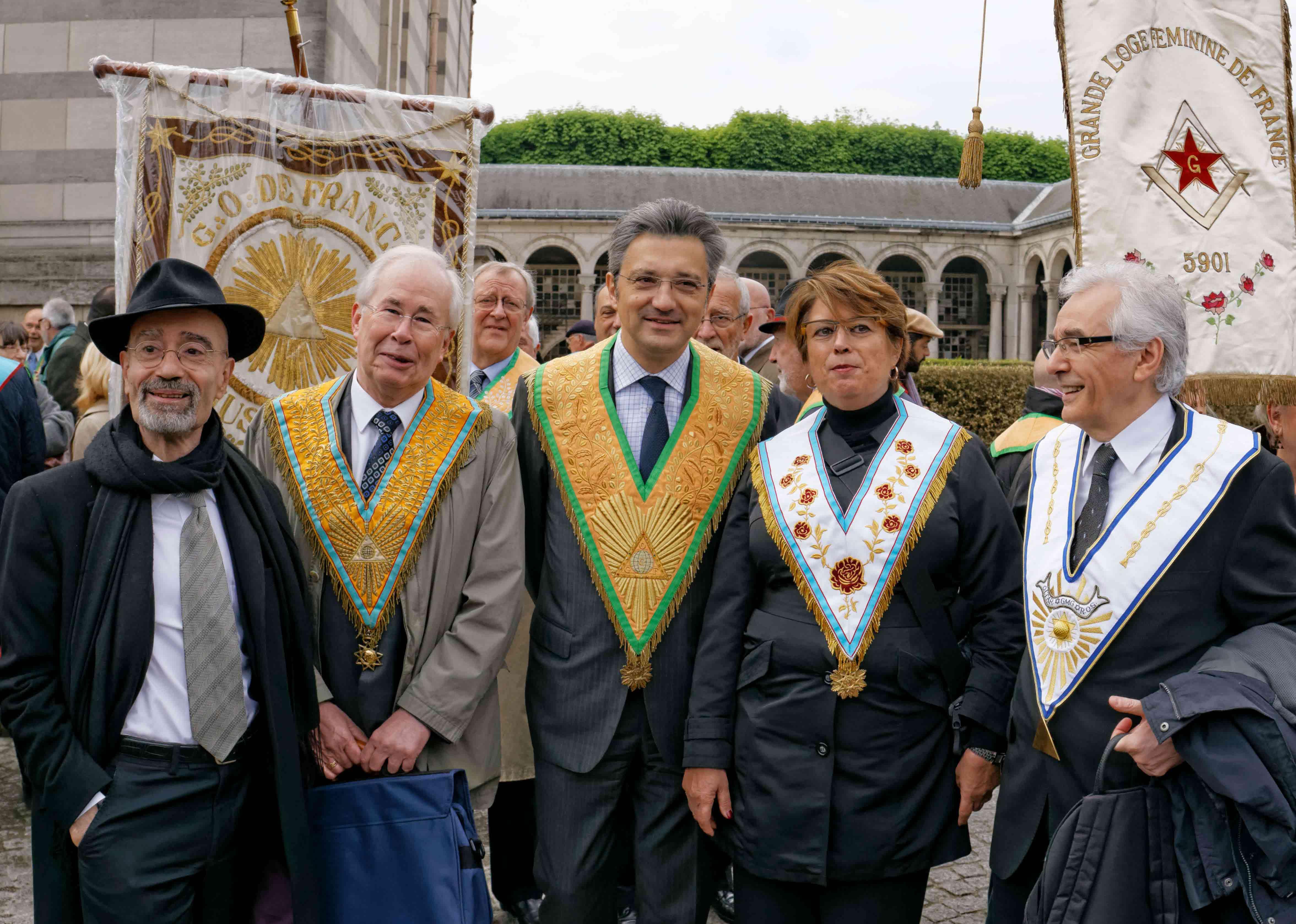 Les Grands Maîtres, devant le Crématorium du Père Lachaise