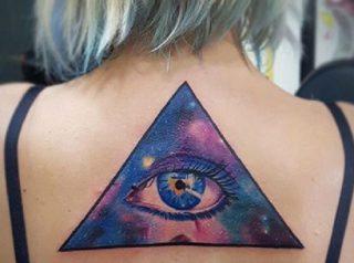 oeil delta tatouage