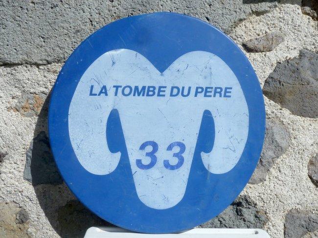 Tombe du pere 33